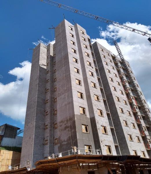Revestimento bicamada para fachadas